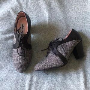 Never worn Oxford heels
